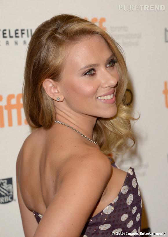 Scarlett Johansson est tout juste fiancée à son boyfriend français.