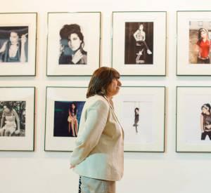 Des photos inédites d'Amy Winehouse se mêlent à des clichés personnels de la famille.