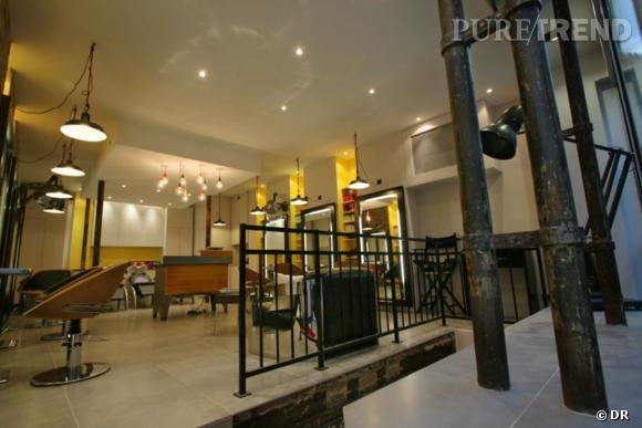 La salon d'Emmanuel J est situé dans le 2ème arrondissement de Paris, en plein coeur du quartier japonais de la capitale.