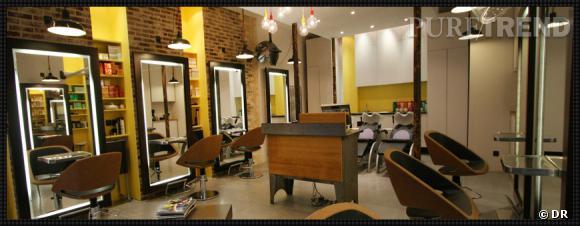 Salon coloré mais élégant, contemporain mais sans être froid, l'ambiance est au top.