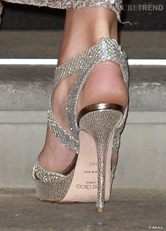 Kate Middleton porte des chaussures Jimmy Choo.
