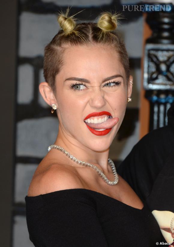 Miley Cyrus et Liam Hemsworth, c'est fini ! La star préfère jouer les sales gosses !