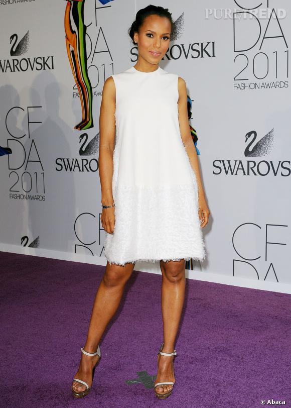 Kerry Washington minimale en Calvin Klein.