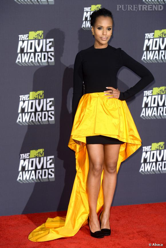 Kerry Washington flashy mais chic en Michael Kors.