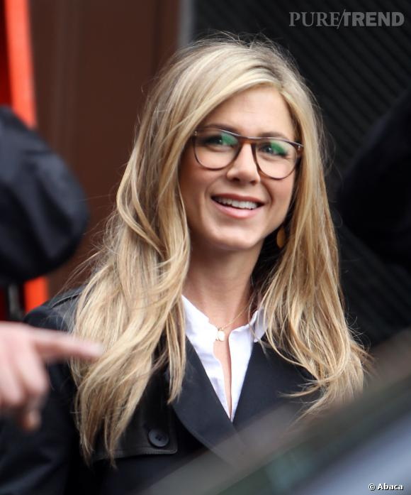 437b41dd85f250 Le top  quot lunettes quot    sexy et intello, Jennifer Aniston est ...