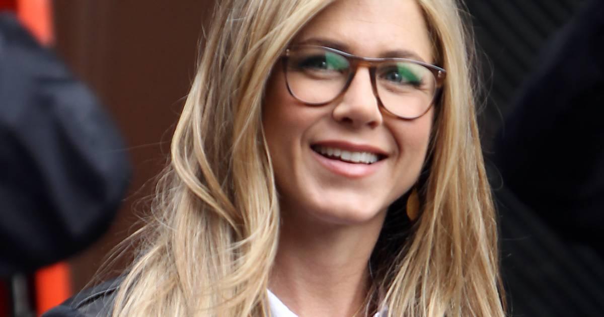 e4eaa3dfc20599 Le top lunettes   sexy et intello, Jennifer Aniston est une geek glamour -  Puretrend