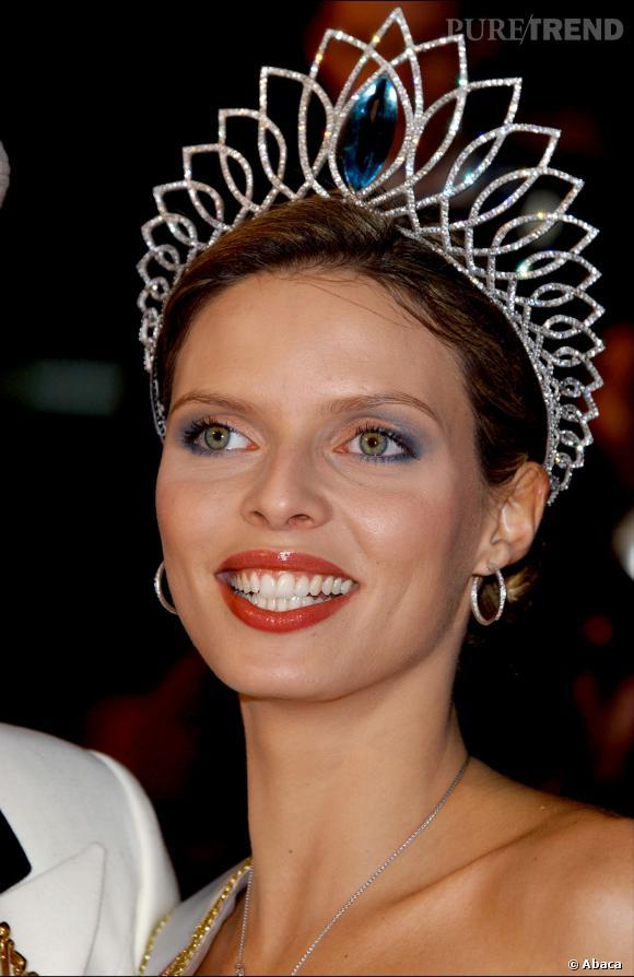 Sylvie Tellier a été élue Miss France 2002.