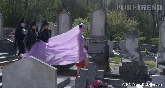 Shooting mode dans un cimetière.
