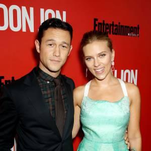 "Joseph Gordon-Levitt et Scarlett Johansson pendant l'avant-première de ""Don Jon""."