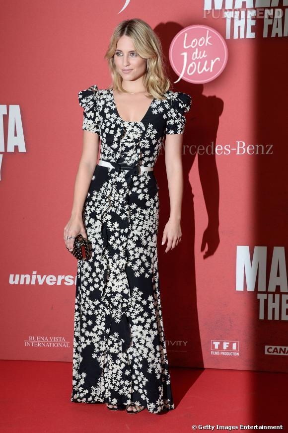 """Dianna Agron mise sur une robe fleurie Carolina Herrera collection Croisière 2014 pour l'avant-première de """"Malavita"""" à Berlin."""