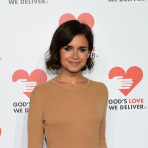 Miroslava Duma, toute de beige vêtue à New York, pour assister à la soirée Golden Heart Awards.
