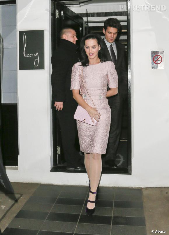 Katy Perry, une poupée mode à Londres avec John Mayer.
