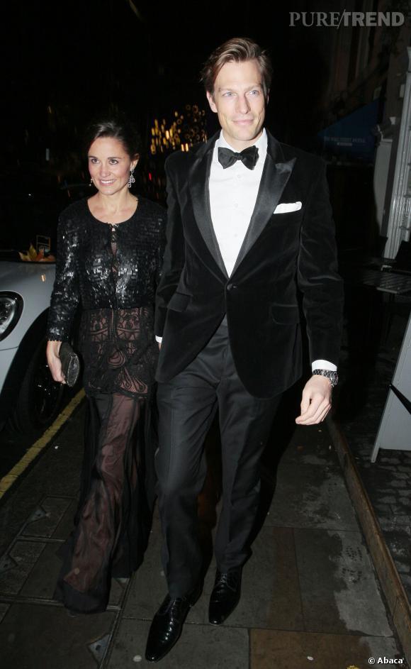 """Pippa Middleton et Nico Jackson très chic à Londres pour le """"Sugarplum Dinner""""."""
