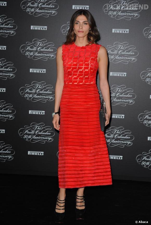 Elisa Sednaoui fait sensation dans une robe Printemps-Été 2014 Fendi.
