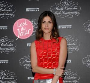Elisa Sednaoui joue la transparence pour le calendrier Pirelli