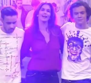 Leçon mode par Cindy Crawford pour Liam et Harry.