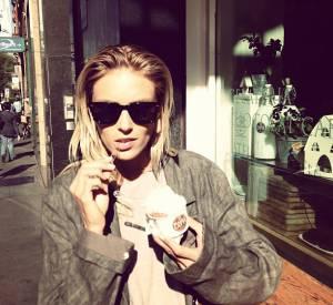 On a eu du mal à trouver de la nourriture sur le compte d'Anja Rubik. Mais une fois, il y a longtemps, elle a mangé une glace (un peu).