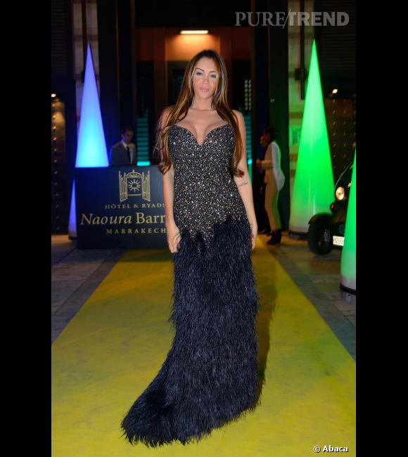 Nabilla et la robe la plus longue de sa collection.