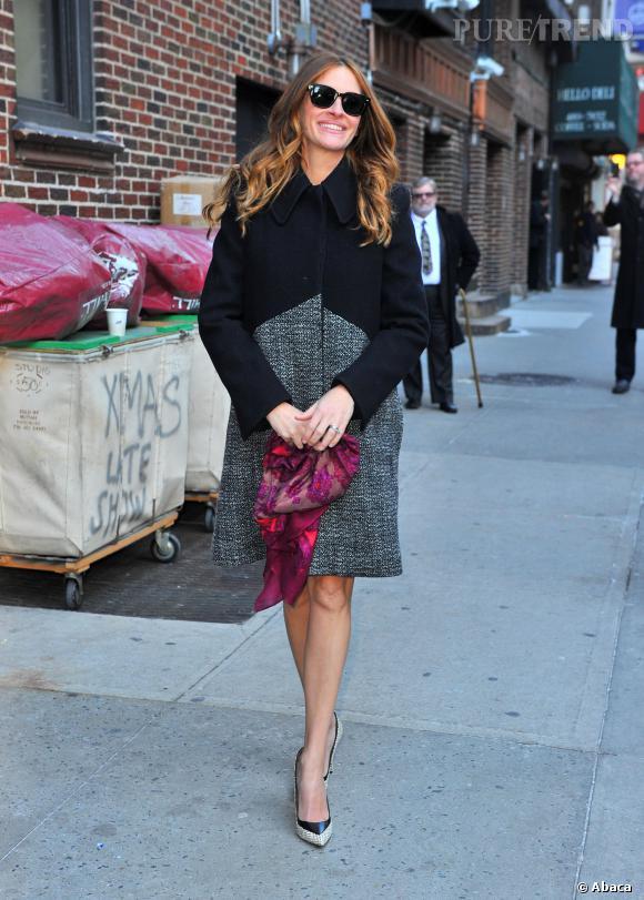 Julia Roberts à son arrivée au Late Show. Elle y a parlé des rumeurs de grossesse.