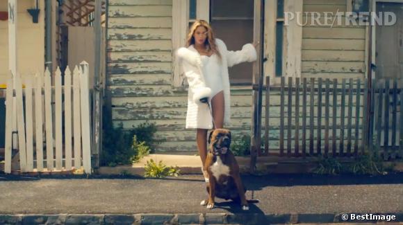 Beyoncé met les choses au clair, la vraie star c'est elle, elle le prouve avec 13 nouveaux morceaux et 17 clips sortis en une nuit.