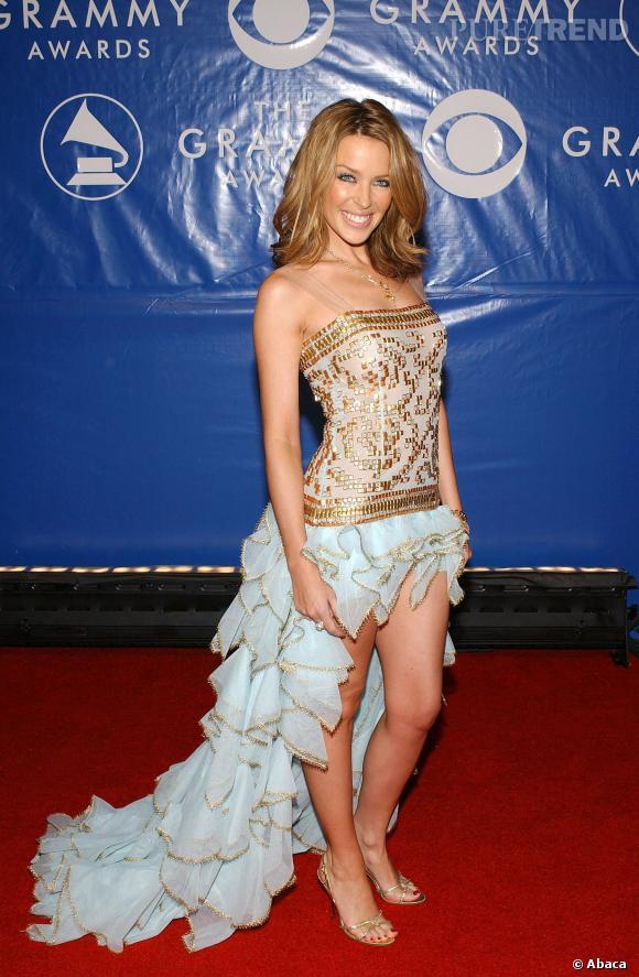 Kylie Minogue Courte2003 En Robe Ultra Bustier Puretrend gbf67y