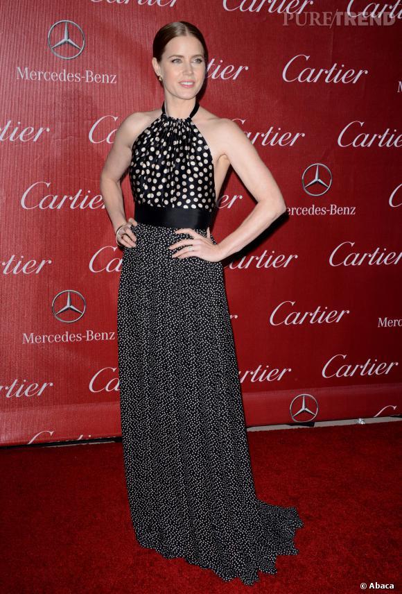Amy Adams mise sur une robe Juan Carlos Obando pour assister au gala Palm Springs International Film Festival Awards.