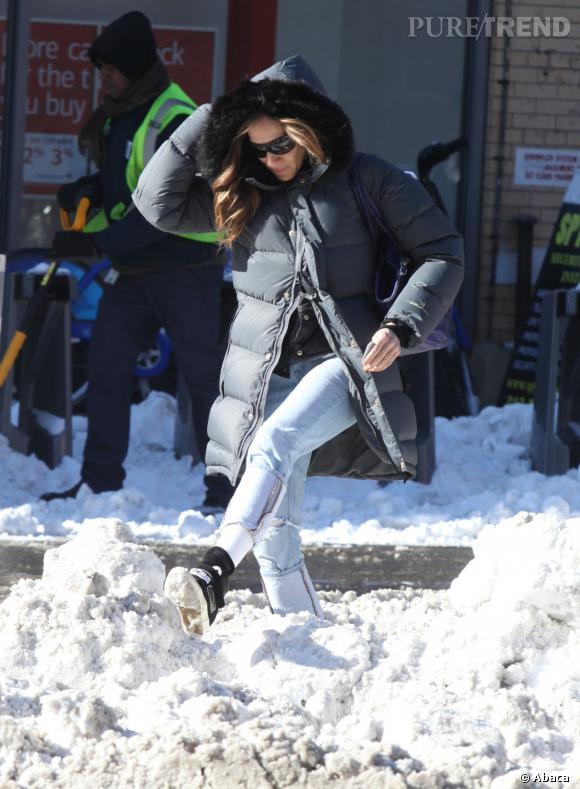 Pas facile de marcher avec toute cette neige, n'est-ce pas Sarah Jessica Parker ?