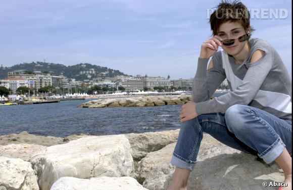 Julie Gayet sur la Croisette lors du Festival de Cannes 2003.