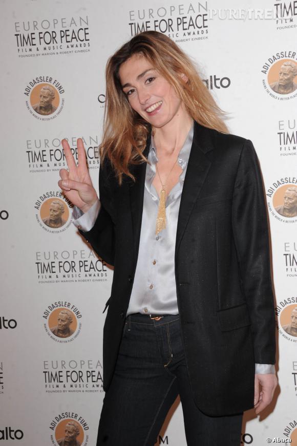 """Julie Gayet au gala """"Time for Peace"""" en 2010."""