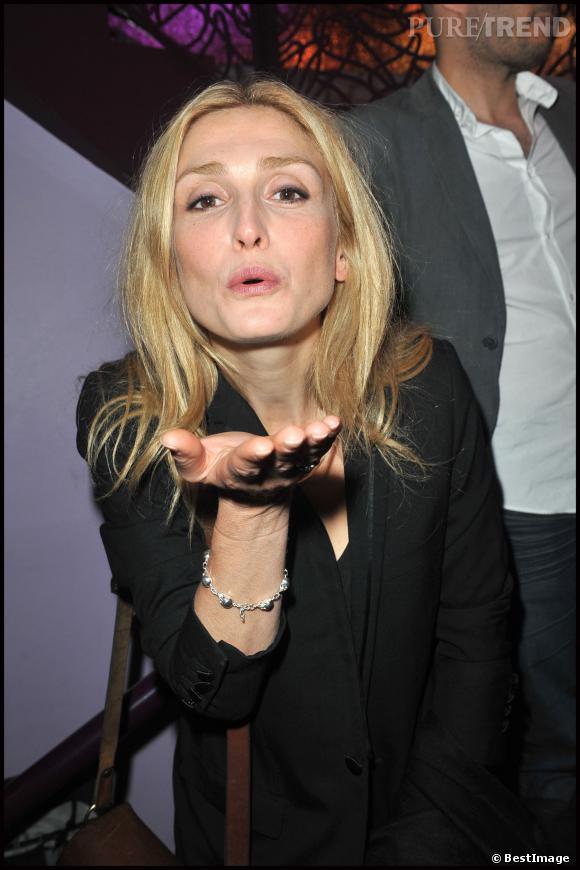 """Julie Gayet à l'avant-première de """"L'Art de Séduire"""" en 2011."""