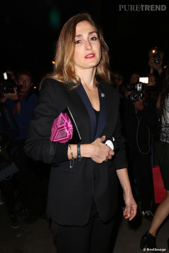 Julie Gayet au défilé Saint Laurent collection Printemps-Été 2014.