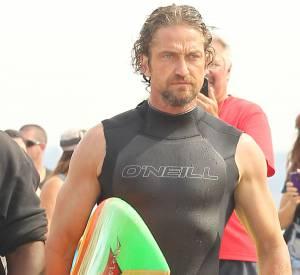 Gerard Butler version surfeur.