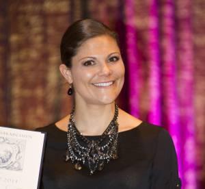 Princesse Victoria de Suède, en jupe mais à cloche-pied pour le prix Tobias 2014