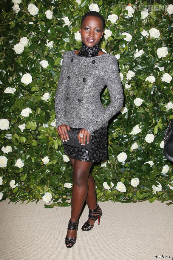 Lupita Nyong'o est déjà une fashionista en herbe grâce à ses tenues originales, ici pendant la soirée en hommage à Tilda Swinton au  Museum of Modern Art de New York.