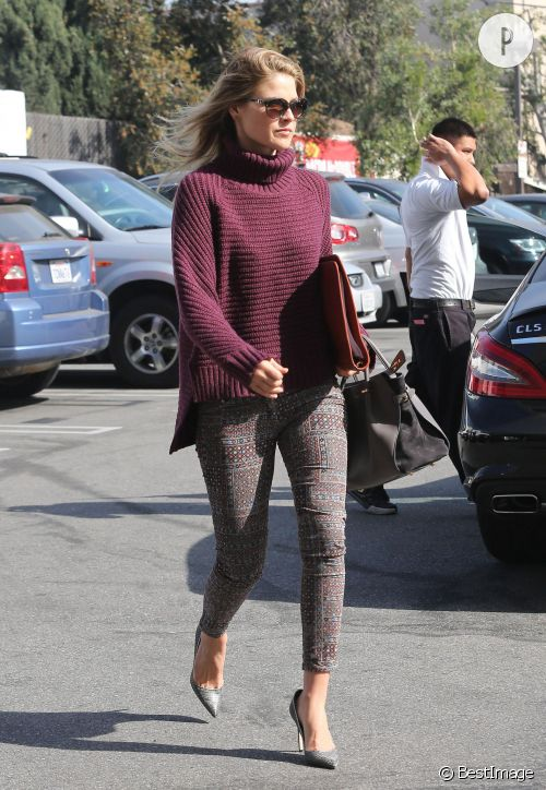 Ali Larter dans les rues de West Hollywood.