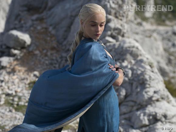 """Emilia Clarke, toujours aussi puissante en tant que Daenerys Targaryen dans """"Game of Thrones"""" saison 4. On regrette de ne pas voir ses dragons !"""