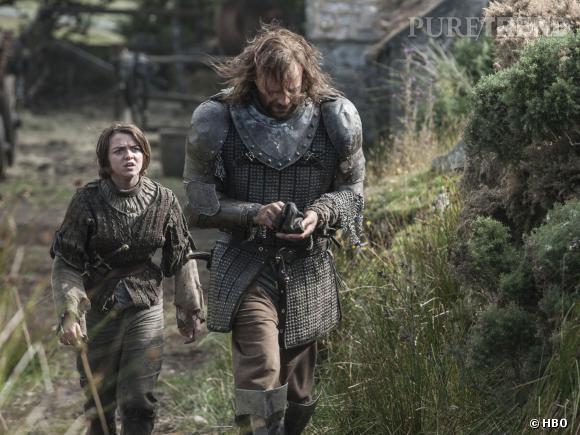 "Maisie Williams (Arya Stark) et Rory McCann (Sandor The Hound Clegane), un duo qu'on imagine explosif pour ""Game of Thrones"" saison 4."