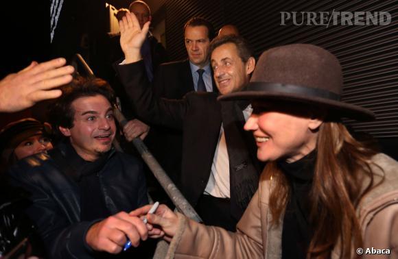Carla Bruni aurait eu une explication en coulisses avec son mari Nicolas Sarkozy, jalouse de toute l'attention portée sur lui le 14 février 2014 pour son concert à Cannes.