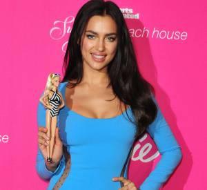 Irina Shayk vs Barbie, laquelle est la plus sexy ?