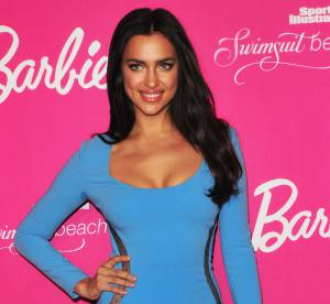 Irina Shayk, plus sexy que Barbie pour les 50 ans de Sports Illustrated Swimsuit