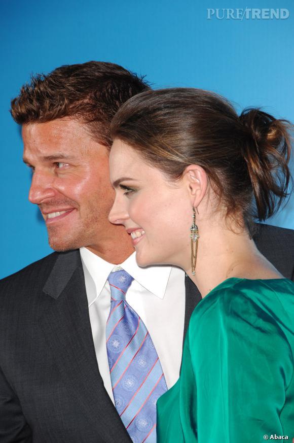David Boreanaz et Emily Deschanel, un couple qui regarde dans la même direction...