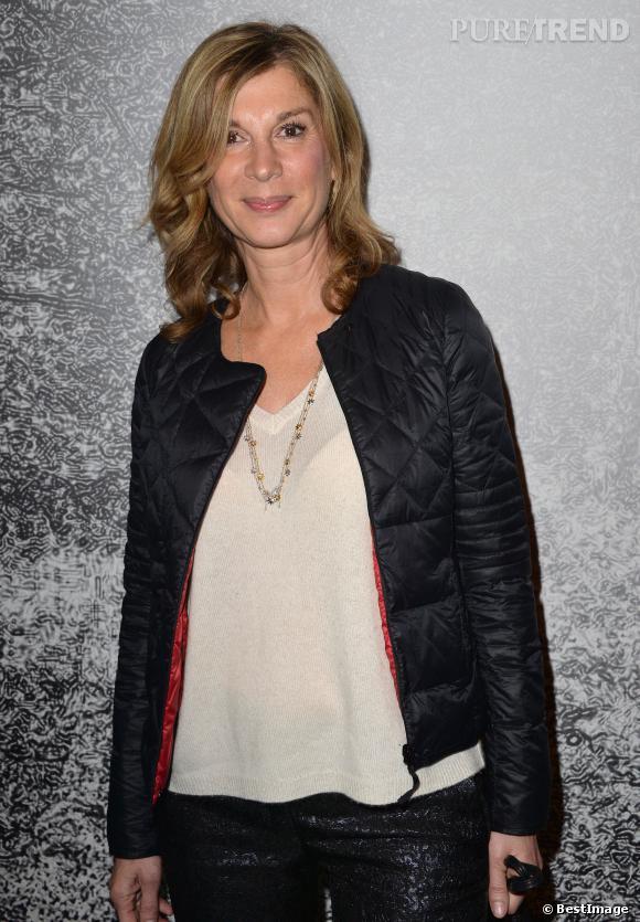 """Michèle Laroque, elle renfile la robe d'avocate pour son rôle dans """"La Méthode Claire"""", le téléfilm diffusé sur M6, ce soir 5 mars 2014."""