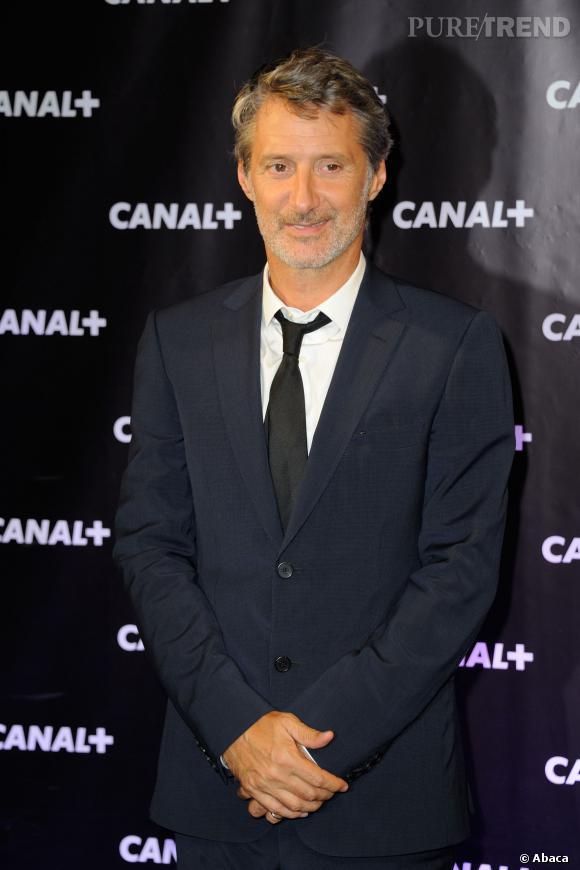 Antoine de Caunes revient sur l'incident déclenché par Stéphane Guillon sur le plateau du Grand Journal en décembre 2013.