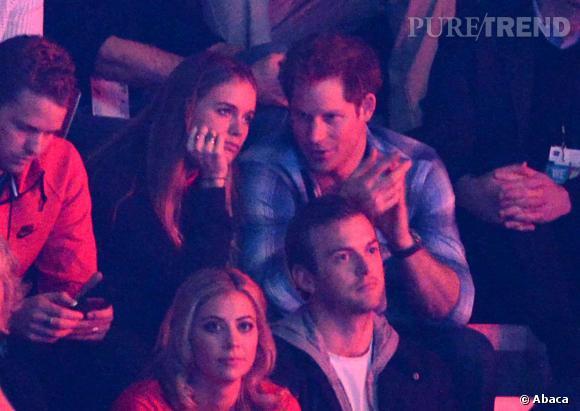 """Prince Harry et Cressida Bonas s'affichent enfin ensemble à l'occasion du """"We Day"""" en Angleterre le 7 mars."""