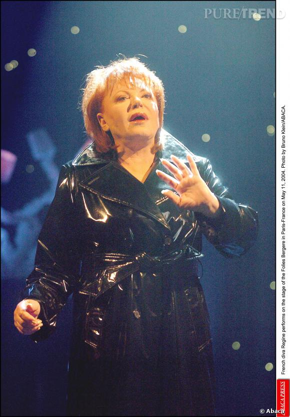 Régine aux Folies Berger de Paris en mai 2004.