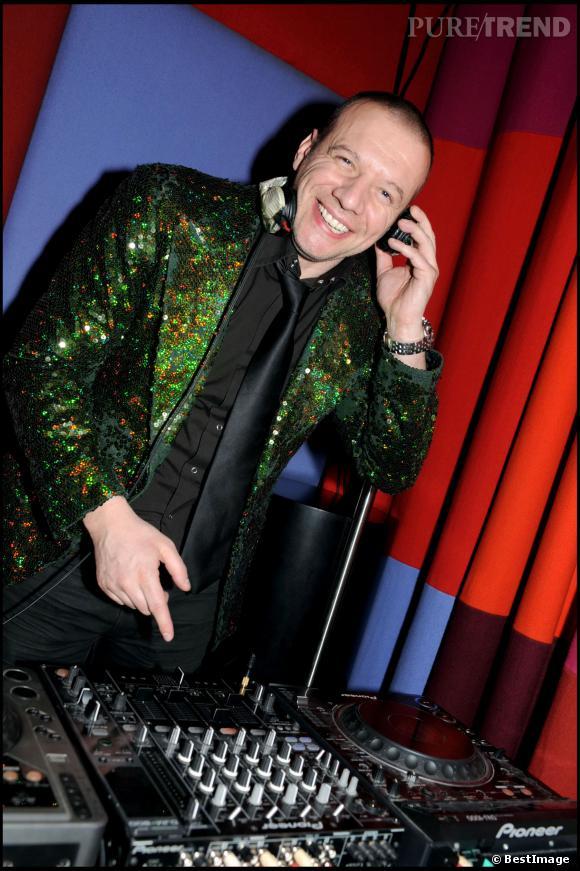 Samuel Le Bihan, crâne et barbe rasé de près et influence disco en 2008.