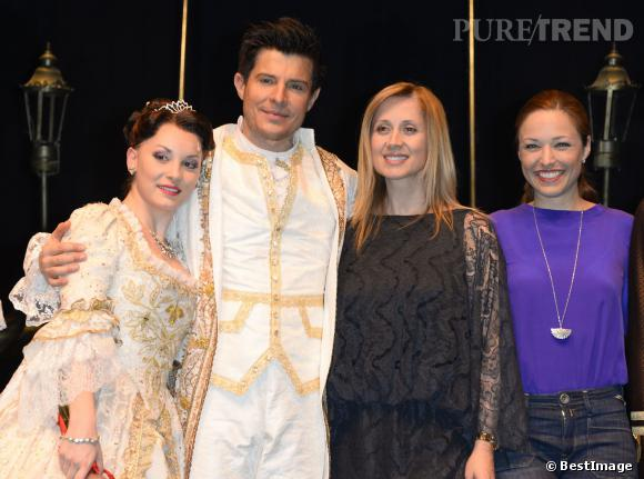 """Lara Fabian et Natasha St-Pier pour la première des représentations de """"La Belle et la Bête"""" avec Vincent Niclo au Théâtre Mogador à Paris le 20 mars 2014."""
