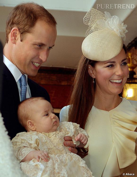 Kate et William lors du baptême de George en septembre 2014. Depuis le petit a bien grandi.
