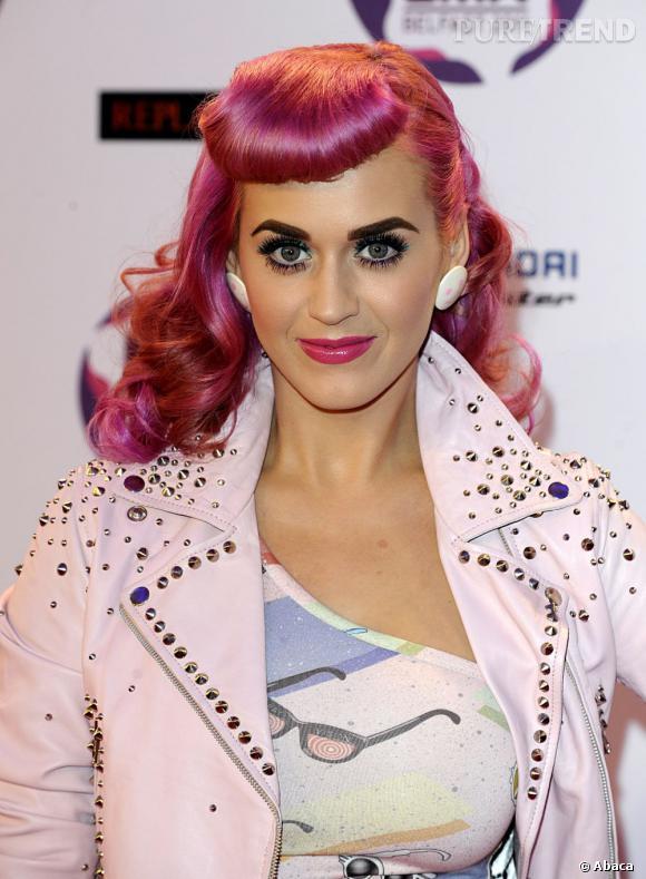 Katy Perry a elle aussi osé la couleur à ses risques et périls...