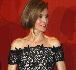 Letizia Ortiz : elle recycle son faux bob... et sa robe Felipe Varela